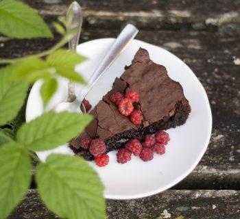 Gluten-free chocolate fondant cake